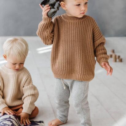 detsky-oversize-sveter-toffee