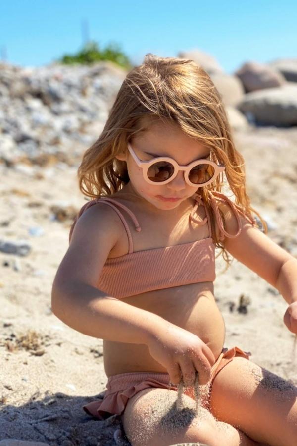 štýlové slnečné okuliare